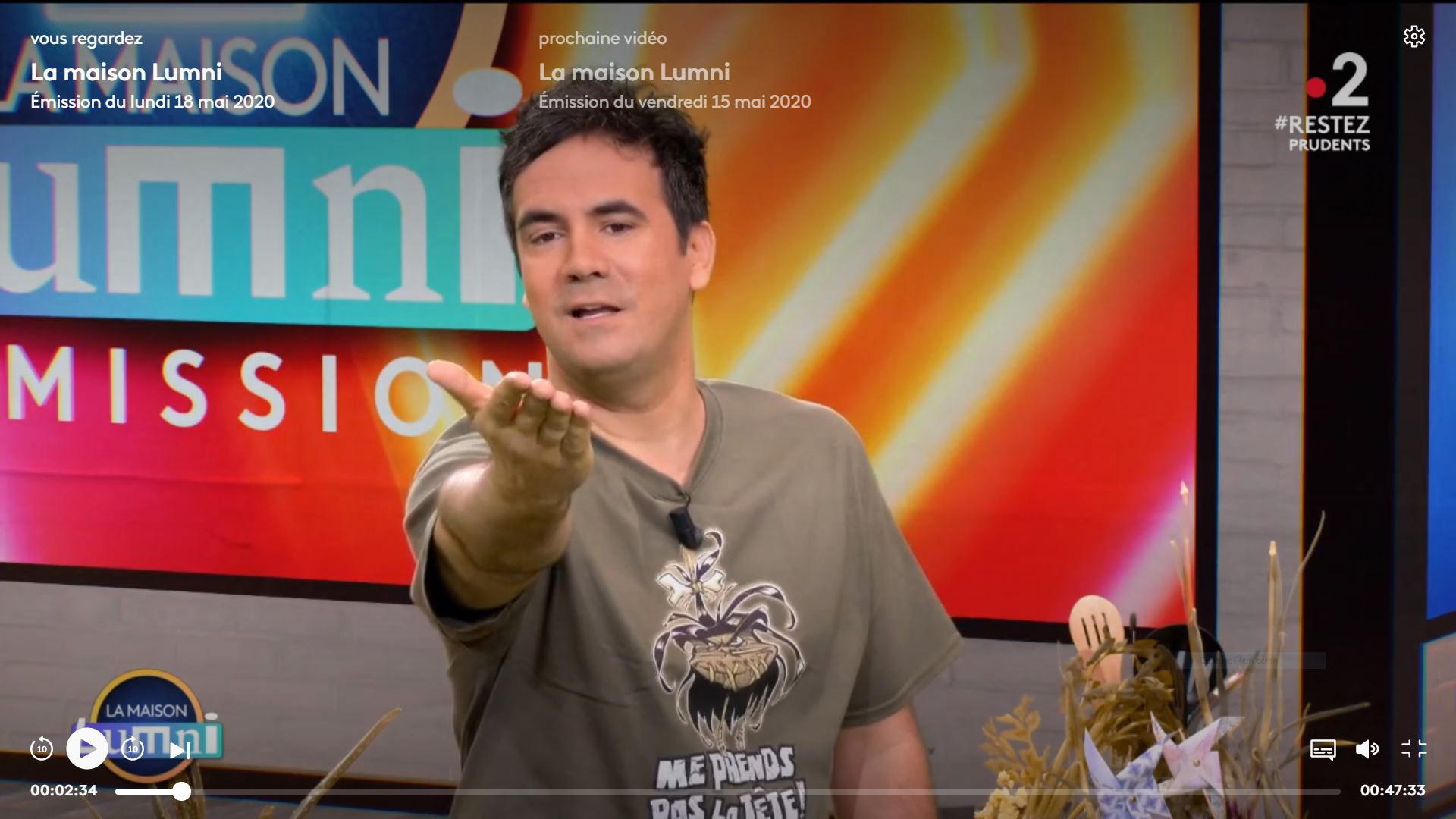 """Le t-shirt """"Me prends pas la tête !"""" porté par Alex Goude sur France 2"""